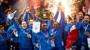 Las jugadoras francesas celebran la victoria en el Europeo