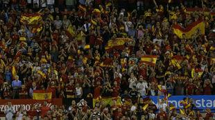 Panorámica del estadio José Rico Pérez de Alicante en un partido de...