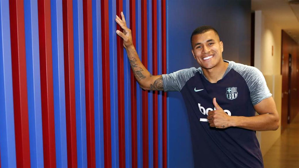Defender Murillo joins Barça on loan from Valencia