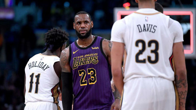 De la mano de LeBron gana Lakers