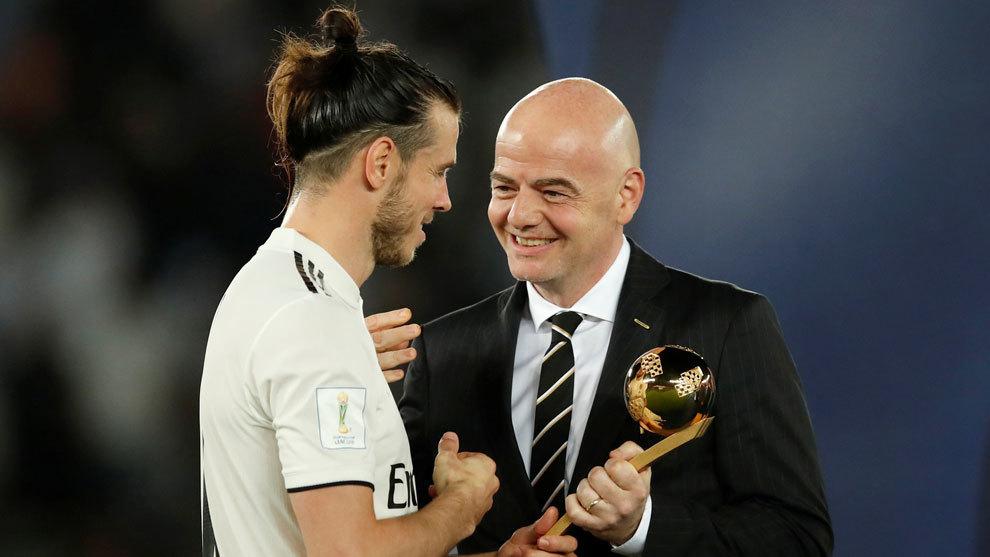 Gareth Bale recoge el premio del Balón de Oro del Mundial de Clubes