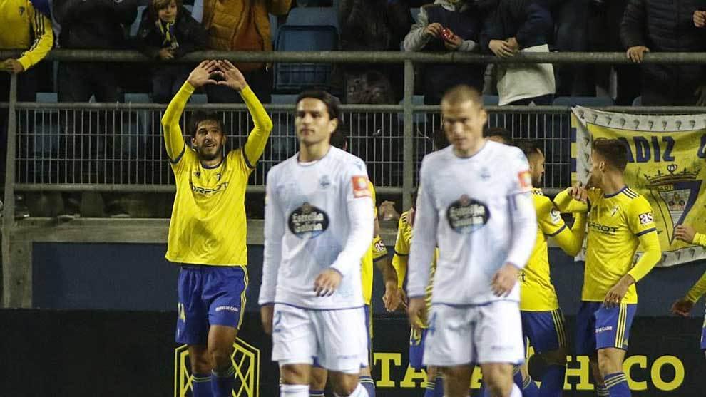 Lekic celebra el primer gol del Cádiz ante el Deportivo