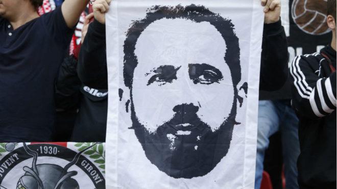 Una pancarta con el rostro de Pablo Machín.