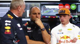 Helmut Marko, Gianpiero Lambiase y Max Verstappen