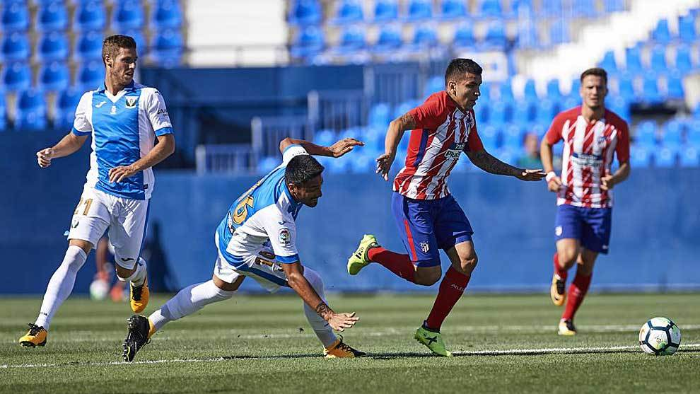 Mauro dos Santos es superado por Correa en el Leganés-Atlético de...