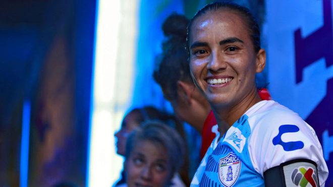 Mónica Ocampo previo a un partido del Pachuca Femenil