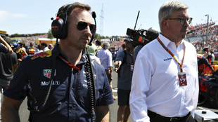 Ross Brawn, junto a Christian Horner.