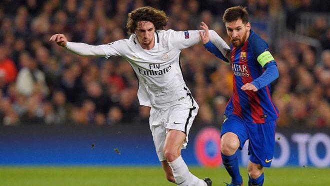 Rabiot pelea con Messi por un balón en un Barcelona-PSG de la...