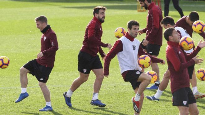 Los jugadores del Athletic durante una reciente sesión de...