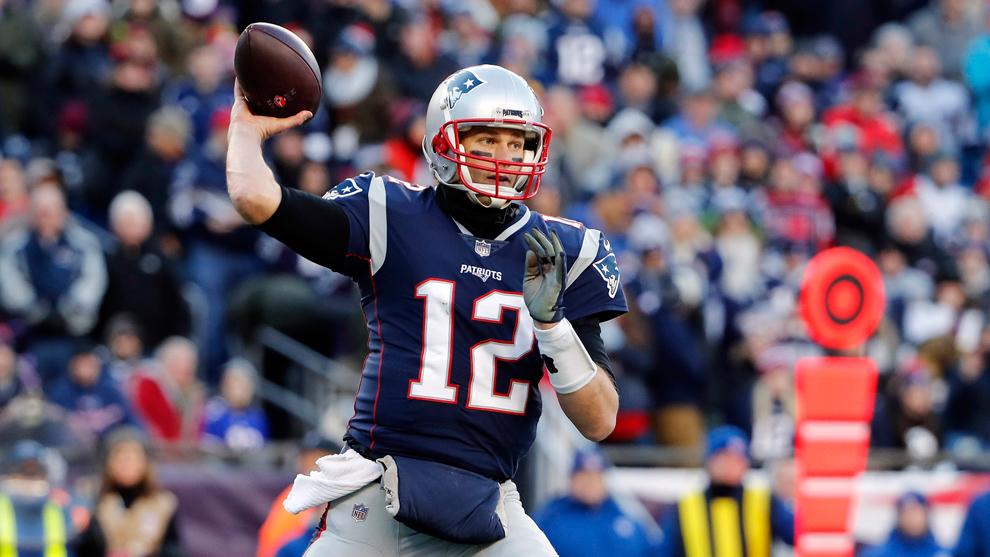 Brady da a los Patriots descanso en primera ronda final