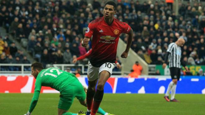 Rashford celebra su gol al Newcastle.