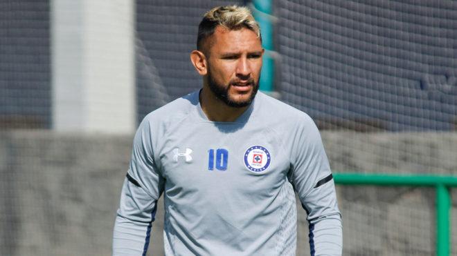 Walter Montoya reclama mal trato de Caixinha y Peláez