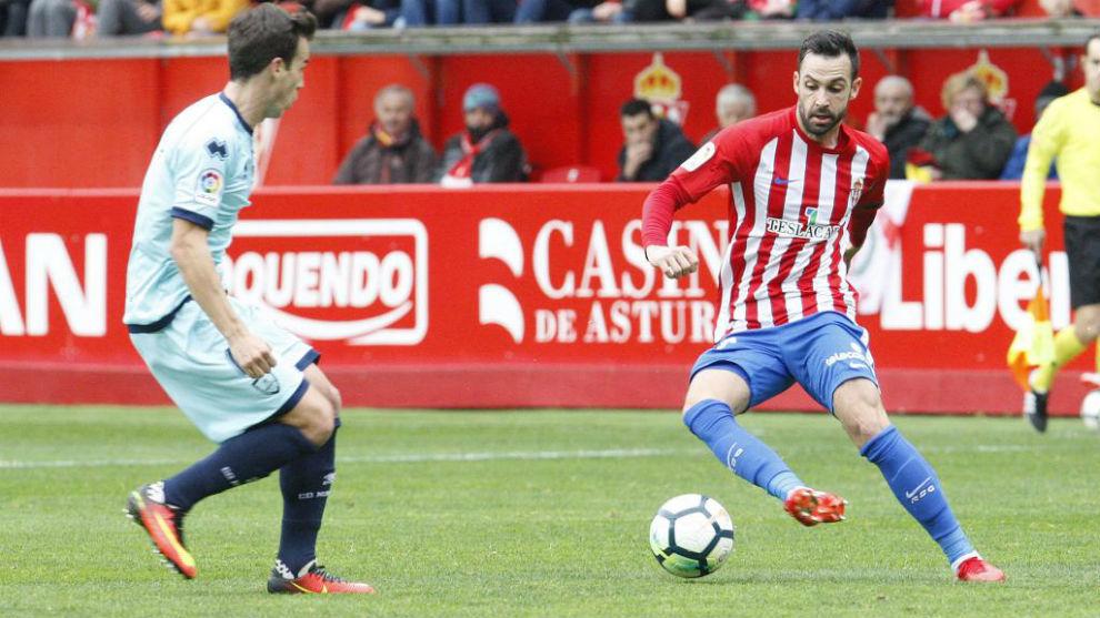 Alberto Guitián, en un partido con el Sporting.