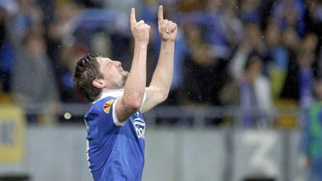 Seleznyov celebra un gol con el Dnipro.