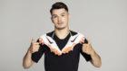 Brahim Díaz, con las botas de su marca