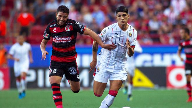 142bff1c03f81 Chivas vs Tijuana  Chivas comienza su reivindicación en el Clausura ...