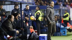 Xavi Bartolo, durante el partido de hoy ante el Málaga en La Rosaleda