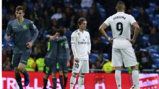 Modric y Benzema, tras marcar la Real el segundo gol.
