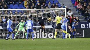 Borjita Herrero marcando el gol al Málaga