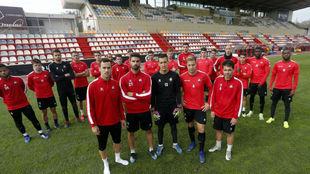 Los jugadores del Reus posan para MARCA antes de un entrenamiento