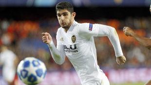 Guedes durante un partido con el Valencia.
