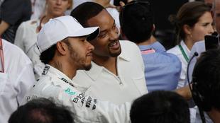 Lewis Hamilton y Will Smith durante el GP de Abu Dhabi