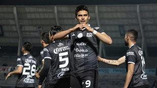 Guillermo Martínez le dio el triunfo a su equipo con una chilena.