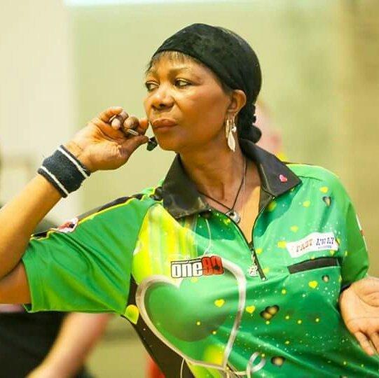 La famosa jugadora de dardos Deta Hedman