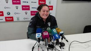 Milagros Martínez da una rueda de prensa en su etapa en el Fundación...