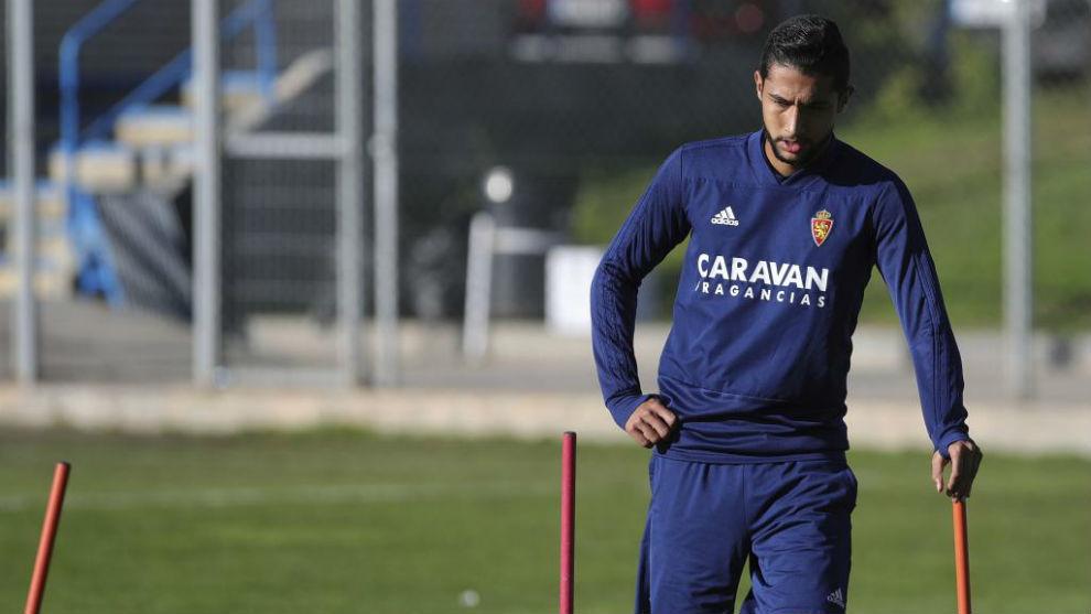 Jeison Medina durante un entrenamiento con el Real Zaragoza.