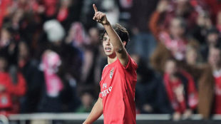 Joao Félix celebra un gol con el Benfica.