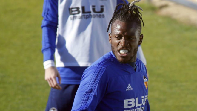Michy Batshuayi to return to Chelsea as Valencia loan cut short