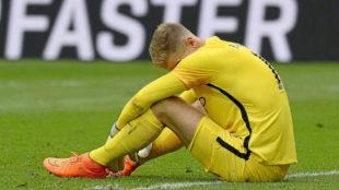 Hart se lamenta de un gol encajado por el Burnley.