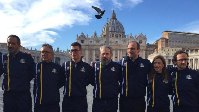 Miembros del equipo de atletismo del Vaticano.