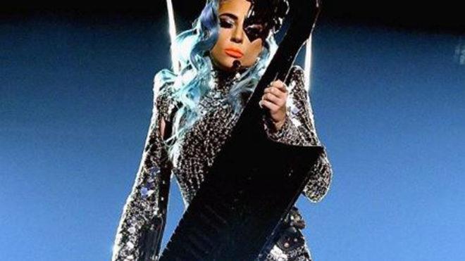 Lady Gaga retira su canción con R.Kelly tras las acusaciones de abuso...
