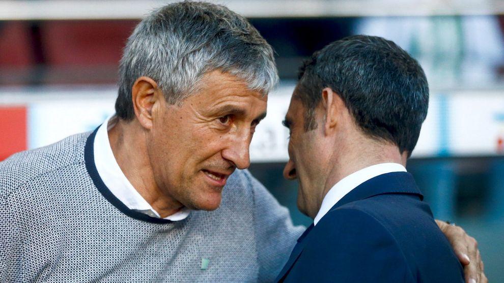 Setién y Valverde se saludan antes del Barça-Betis.