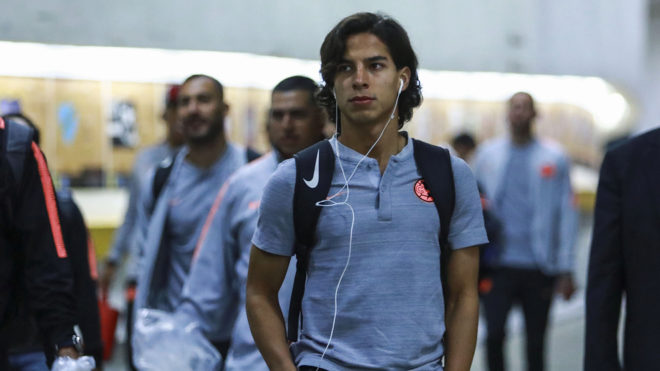 Lainez disputará la liga de España, al lado de Andrés Guardado.