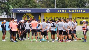 Jugadores del América durante un entrenamiento del Apertura 2018.