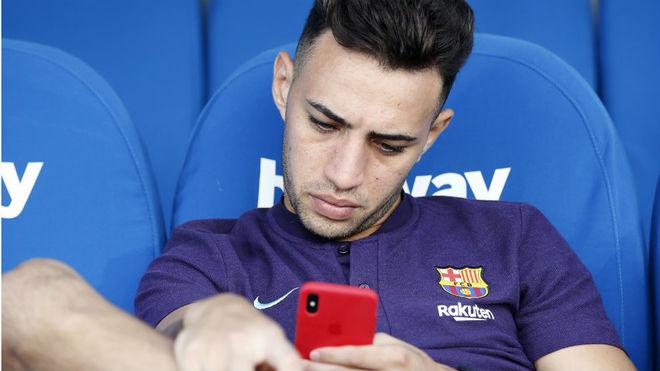 Munir, con el móvil en Butarque.