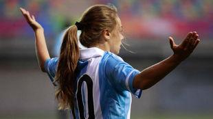 Estefanía Banini durante un partido con la selección argentina.