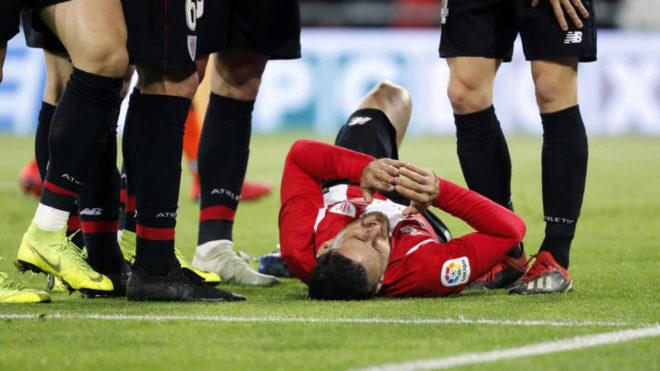 Aduriz sufrió un golpe en la rodilla durante el partido de Copa ante...