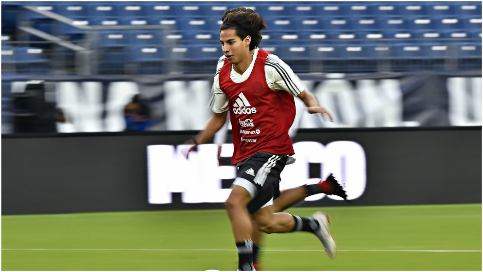Diego Lainez, en un entrenamiento con la selección mexicana.