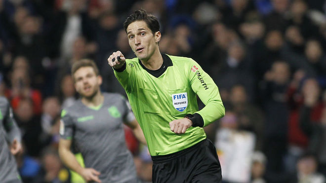 Munuiera Montero, durante el partido del pasado domingo ante la Real...