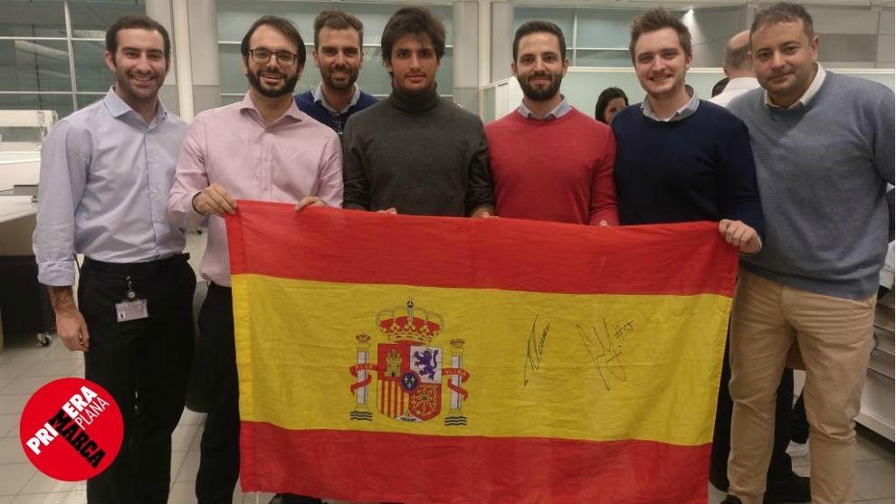 Con Carlos Sainz, de izquierda a derecha, Ramón Vela, Albert Illera,...