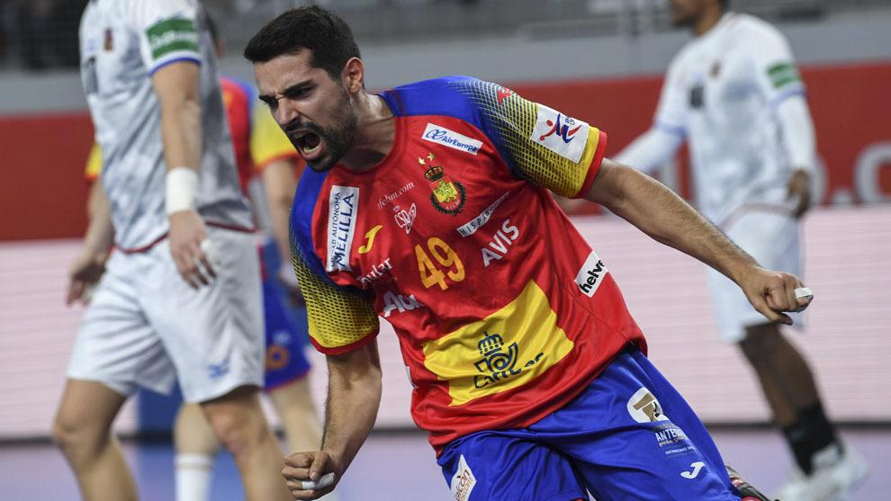 Ferrán Solé celebra un gol ante Chequia en el pasado Europeo /