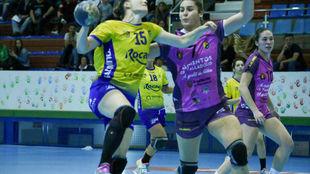 Un momento del partido entre el Aula Valladolid y el Rocasa