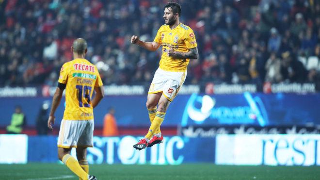 Tras apagón, Tigres vio la luz y goleó 0-3 a Xolos