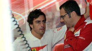 Alonso y Domenicali, durante el Gran Premio de Alemania 2012.
