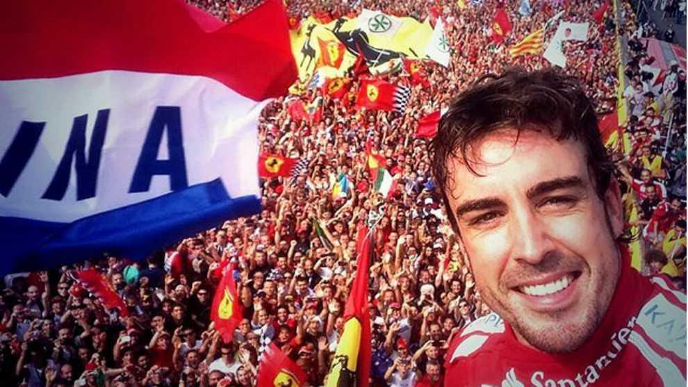 El selfie de Alonso en su última carrera en Ferrari en Monza.