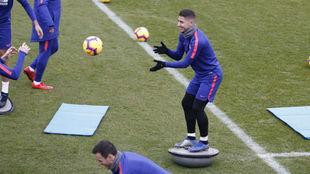 Toni Moya, en un entrenamiento con el Atlético.